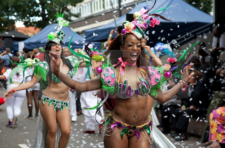 © Licensed to London News Pictures. 28/08/2011. London, England. Notting Hill Carnival 2011, Adults' Day. Group Paraiso School of Samba. Photo credit: Bettina Strenske/LNP