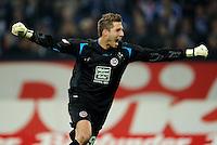 FUSSBALL   1. BUNDESLIGA   SAISON 2011/2012    9. SPIELTAG FC Schalke 04  - 1. FC Kaiserslautern                      15.10.2011 Torwart Kevin TRAPP (Kaiserslautern) jubelt nach dem 1:2