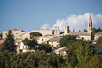 Europe/France/Languedoc-Roussillon/30/Gard / Saint-Maximin: le village