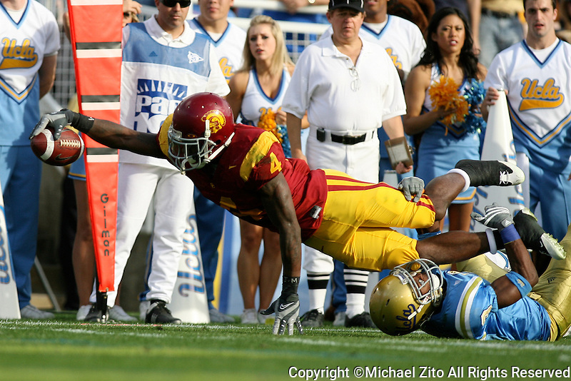 12/06/08 Pasadena, CA: RB Joe McKnight #4 of USC in action against UCLA   during an NCAA Football game played at the Rose Bowl. USC defeated UCLA 28-7