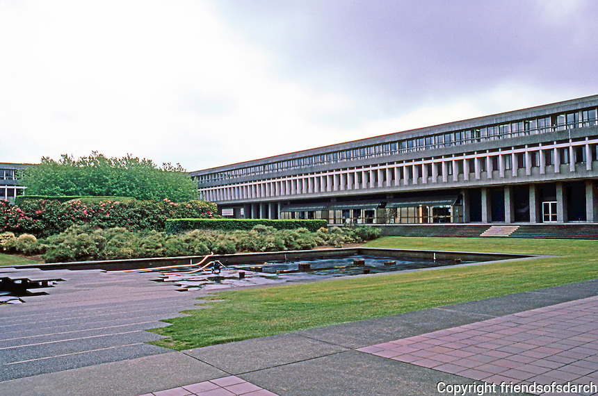 Vancouver: Simon Fraser University--Academic Quadrangle by Zoltan S. Kiss.  Image 6.  Photo '86.