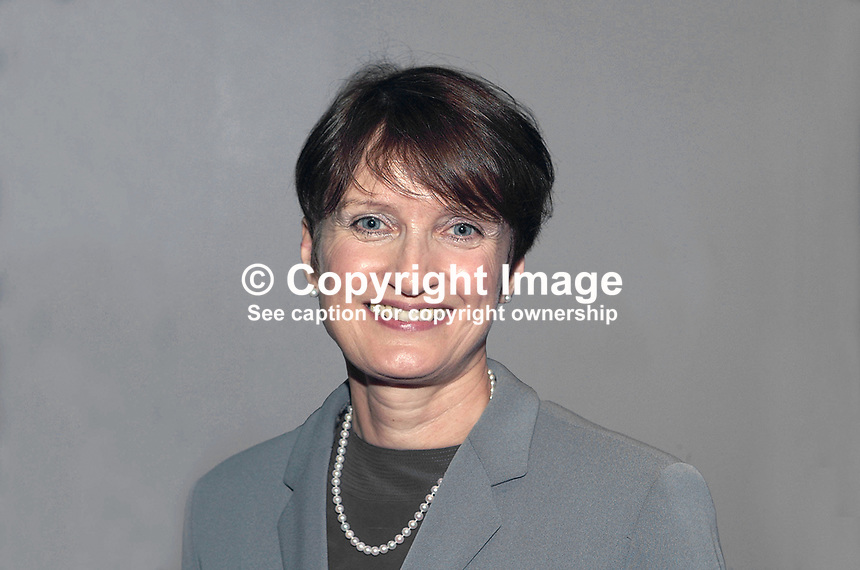 Tessa Jowell, MP, cabinet minister, Britain, UK. Taken at Labour Party Conference, Brighton, UK. Ref: 200110013592...Copyright Image from Victor Patterson, 54 Dorchester Park, Belfast, UK, BT9 6RJ..Tel: +44 28 9066 1296.Mob: +44 7802 353836.Voicemail +44 20 8816 7153.Skype: victorpattersonbelfast.Email: victorpatterson@mac.com.Email: victorpatterson@ireland.com (back-up)..IMPORTANT: If you wish to use this image or any other of my images please go to www.victorpatterson.com and click on the Terms & Conditions. Then contact me by email or phone with the reference number(s) of the image(s) concerned.