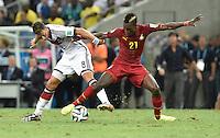 FUSSBALL WM 2014  VORRUNDE    GRUPPE G     Deutschland - Ghana                 21.06.2014 Mesut Oezil (li, Deutschland) gegen John Boye (re, Ghana)