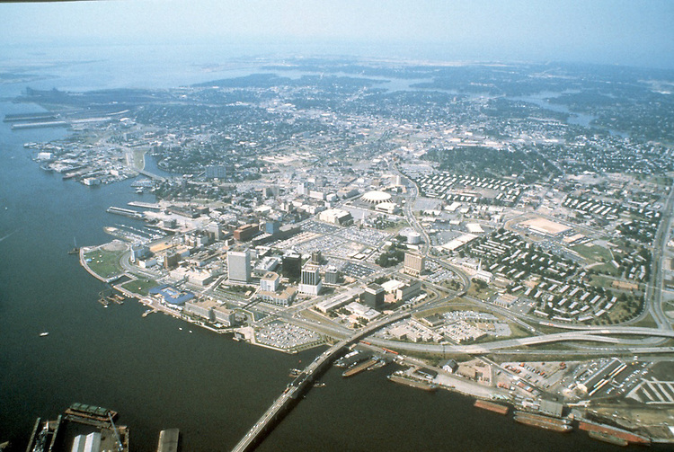 1983 June..Redevelopment.Downtown South (R-9)..WIDE VIEW.LOOKING NORTHWEST...NEG#.NRHA#..