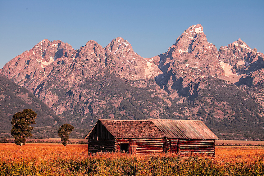 Cabin by the Mountains