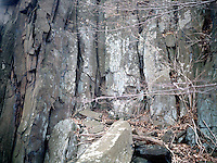 PALISADES SILL<br /> Diabase Rock And Talus<br /> Water seeping into cracks freezes and expands widening the crack or breaking off a chunk of rock which tumbles as talus down the cliffside.