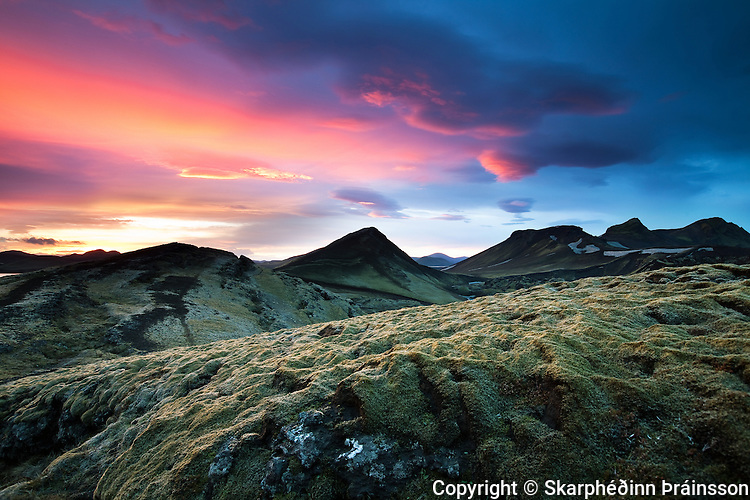 Sunset in Landmannalaugar peninsula, highlands of Iceland
