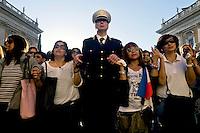 Roma 29 Maggio 2015<br /> I filippini della comunit&agrave; di Roma si sono ritrovati in piazza del Campidoglio per un raduno di preghiera, in ricordo di Corazon Abordo Perez, la filippina di 44 anni madre di due figli, uccisa due giorni fa da un&rsquo;auto con tre rom a bordo, al quartiere Boccea,  nel quale sono state ferite altre otto persone fra cui altri due filippini.<br /> Roma, Italy. 28th May 2015<br /> The Filipino community in Rome gathered in Piazza del Campidoglio for a prayer meeting in memory of Corazon Abordo Perez, the 44 year old Filipino mother of two children , who was killed two days ago by a car with three Roma on board, Boccea district, where were injured eight others people , including two other Filipinos.