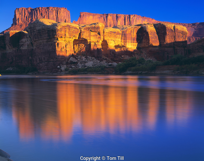 Green River Reflections, Canyonlands National Park, Utah    Island in the Sky above