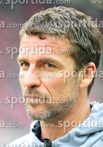 26.09.2010, Fritz-Walter Stadion, Kaiserslautern, GER, 1. FBL, 1.FC Kaiserslautern vs Hannover 96, im Bild Marco KURZ (Trainer Kaiserslautern), EXPA Pictures © 2010, PhotoCredit: EXPA/ nph/  Roth+++++ ATTENTION - OUT OF GER +++++ / SPORTIDA PHOTO AGENCY