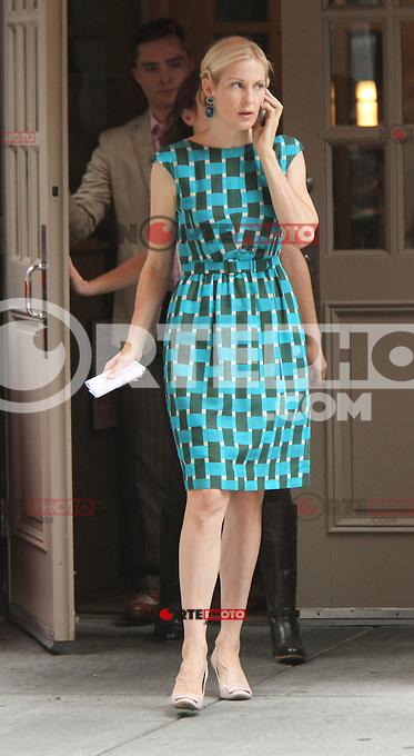 August 10, 2012 Kelly Rutherford shooting on location for  Gossip Girl in New York City.Credit:&copy; RW/MediaPunch Inc. /NortePhoto.com*<br /> <br /> **CREDITO*OBLIGATORIO** <br /> *No*Venta*A*Terceros*<br /> *No*Sale*So*third*<br /> *** No Se Permite Hacer Archivo**