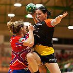 Final femenina de la Copa Federacion de Balonmano de la Comunidad Valenciana.<br /> Elche Mustang (30)vs(25) Valencia Aicequip Maritim.<br /> Pabellon de la Canaleta, Mislata (Valencia-Spain).<br /> 29 de Diciembre de 2012.
