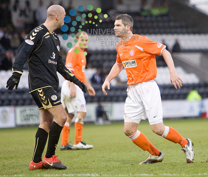 Saints Billy Mehmet and Hamilton's David Elebert draw handbags at dawn after a goal mouth incident which reslted in yellow cards for both players during The Clydesdale Bank Premier League match between St Mirren and Hamilton at St Mirren Park 27/02/10..Picture by Ricky Rae/universal News & Sport (Scotland).
