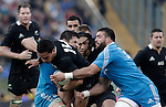 Rugby: test match Italia vs Nuova Zelanda. Roma, stadio Olimpico, 17 novembre 2012..New Zealand's Hosea Gear, foreground, is challenged by Italy's Robert Barbieri, right, and Alessandro Zanni, as New Zealand's Ma'a Nonu, center, looks on during an international rugby test match between Italy and New Zealand at Rome's Olympic stadium, 17 November 2012..UPDATE IMAGES PRESS/Riccardo De Luca