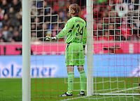 FUSSBALL   1. BUNDESLIGA  SAISON 2011/2012   23. Spieltag  26.02.2012 FC Bayern Muenchen - FC Schalke 04        Torwart Timo Hildebrand (FC Schalke 04)