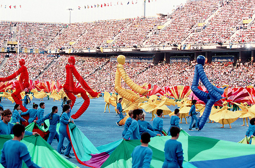 25.07.1992. Barcelona, Spain. The Opening ceremony of the 1992 Barcelona Olympic Games, Montjuic Olympic Stadium. Photo: Peter tarry/Action Plus...Olympics ceremonies.