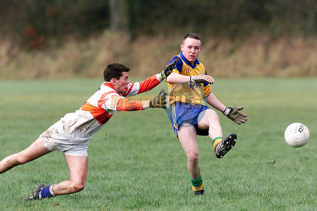Edenderry's Eoin Murray and St. Mary's Keith McGill in action..Picture: Paul Mohan/Newsfile