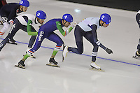 SPEEDSKATING: CALGARY: 15-11-2015, Olympic Oval, ISU World Cup, Mass Start Men, Arjan Stroetinga (NED), Bart Swings (BEL), ©foto Martin de Jong