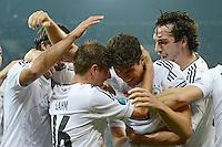 FUSSBALL  EUROPAMEISTERSCHAFT 2012   VORRUNDE Deutschland - Portugal          09.06.2012 Torjubel nach dem 1:0: Sami Khedira, Philipp Lahm, Mario Gomez, Mats Hummels (v.l., alle Deutschland)