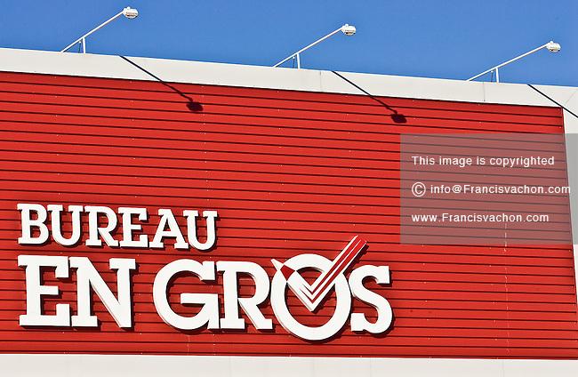 Bureau en gros stock photos by francis vachon for Bureau en gros delson