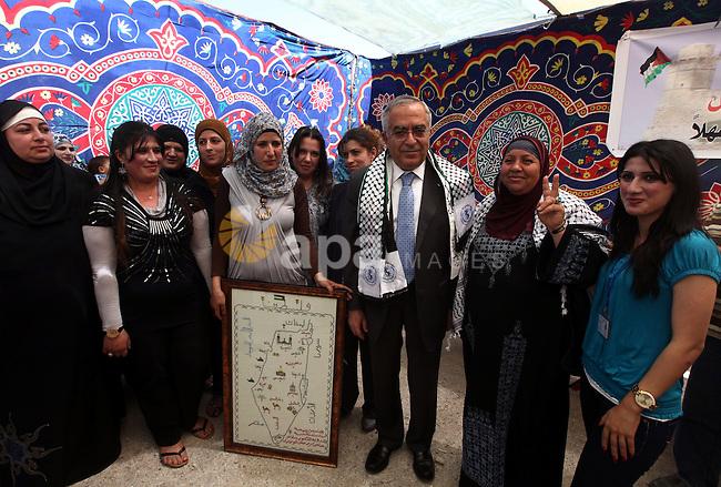 Palestinian Prime Minister, Salam Fayyad, visits the village of Nabi Samuel in the  west of Jerusalem, on June 04, 2012. Photo by Mustafa Abu Dayeh