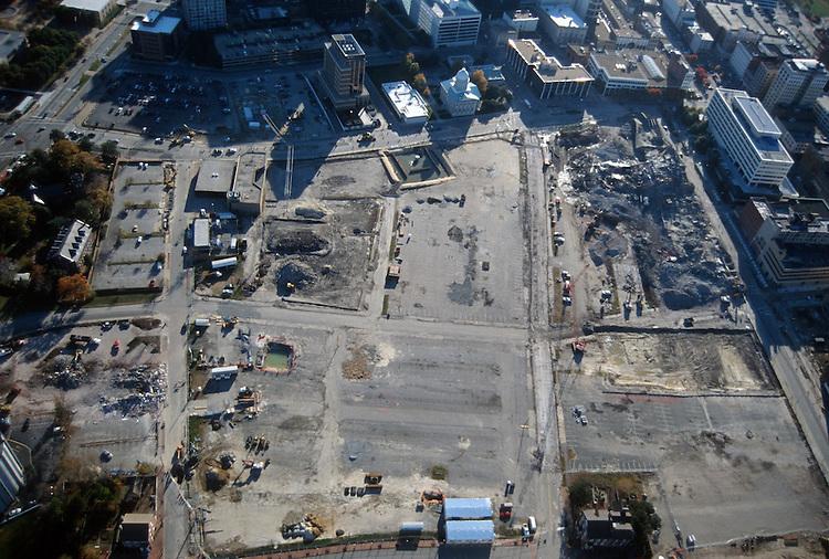 1996 November 29..Redevelopment..Macarthur Center.Downtown North (R-8)..LOOKING SOUTH...NEG#.NRHA#..