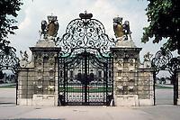 Vienna: Belvedere Palace--gate of uppper Belvedere. Photo '87.