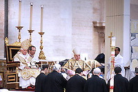Pope Benedict XVI celebrate Easter Mass Saint Peter's Square at the Vatican, 04 April 2010.