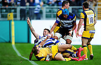 Matt Banahan of Bath Rugby celebrates his try. Aviva Premiership match, between Bath Rugby and Worcester Warriors on September 17, 2016 at the Recreation Ground in Bath, England. Photo by: Patrick Khachfe / Onside Images