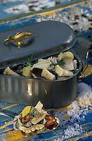 "Europe/Norvège/Iles Lofoten/Henningsvaer : Bocknafish skrei-cabillaud demi sec poché - Recette de l'auberge ""He nningsvaer Fiskerogen"""