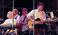 Paul Shaffer / Lenny Kaye / Gene Cornish / Ira Kaplan (2011)