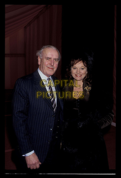 GEORGE COLE & wife PENNY.Ref:026.married, half length, half-length.*RAW SCAN- photo will be adjusted for publication*.www.capitalpictures.com.sales@capitalpictures.com.©Capital Pictures