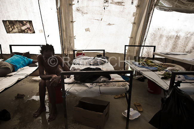 © Remi OCHLIK/IP3 - Port Au Prince on 2010 november 10 - Up to 200,000 Haitians could contract cholera as the outbreak which has already killed 800 is set to spread across the battered Caribbean nation of nearly 10 million, the United Nations said on Friday..Cholera treatment center of Tabarre - People suffering of Cholera are treated by MSF ( medecins sans frontiere )