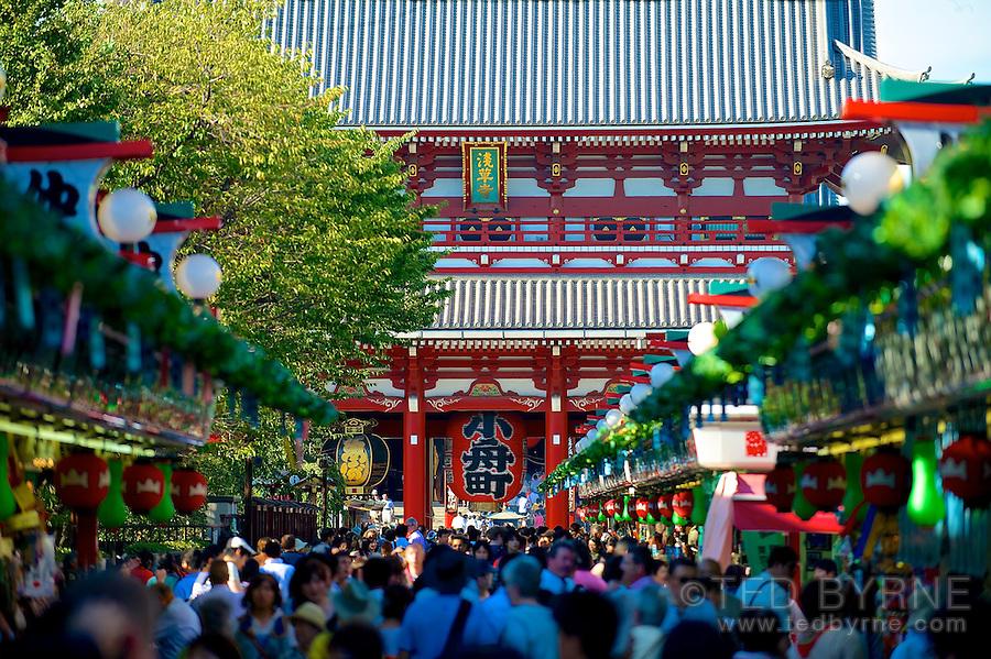Market scene at Kannon Senso-ji Temple in Asakusa, Tokyo