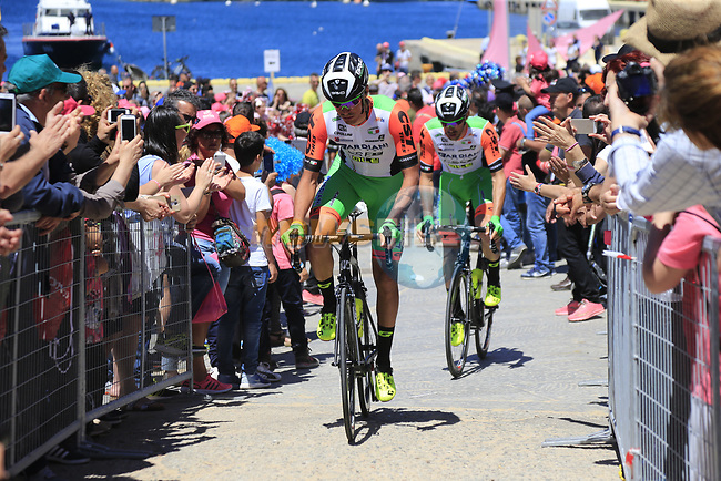 Bardiani CSF team head to sign on at Arbatax before the start of Stage 3 of the 100th edition of the Giro d'Italia 2017, running 148km from Tortoli to Cagliari, Sardinia, Italy. 7th May 2017.<br /> Picture: Eoin Clarke | Cyclefile<br /> <br /> <br /> All photos usage must carry mandatory copyright credit (&copy; Cyclefile | Eoin Clarke)