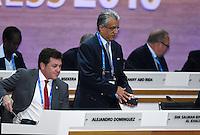 Fussball International Ausserordentlicher FIFA Kongress 2016 im Hallenstadion in Zuerich 26.02.2016 FIFA Vizepraesident  und AFC Presedent Scheich Salman Bin Ibrahim al Khalifa (Mitte, Bahrain FIFA-Exekutivkomite) und Alejandro DOMINGUEZ (li, Paraguay, FIFA-Exekutivkomitee)
