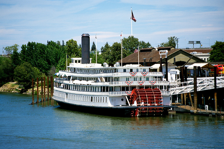 California: Sacramento. Delta King Riverboat..Photo copyright Lee Foster, 510/549-2202, lee@fostertravel.com, www.fostertravel.com..Photo #: casacr102