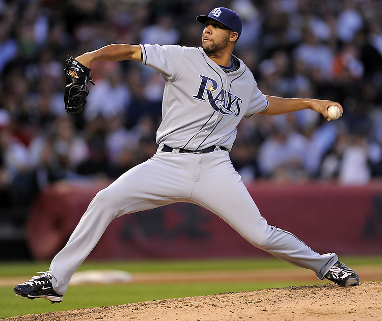 CHICAGO - JULY 20:  David Price #14 of the Tampa Bay Rays pitches against the Chicago White Sox on July 20, 2009 at U.S. Cellular Field in Chicago, Illinois.  The White Sox defeated the Rays 4-3.  (Photo by Ron Vesely)