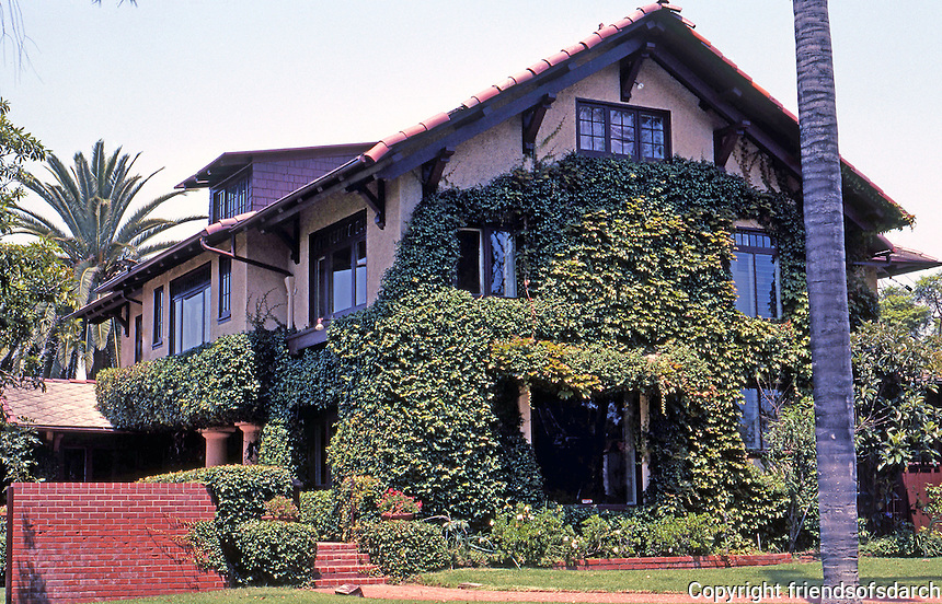 Irving Gill: NOT!  Charles W. Fox House, 3100 Brant St. , San Diego, 1908. Actually by Gill's partner, William S. Hebbard.