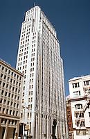 San Francisco:  Pacific Telephone. Miller & Pflueger, 1925. (Inspired by Eliel Saarinen's second prize in Tribune Tower.)