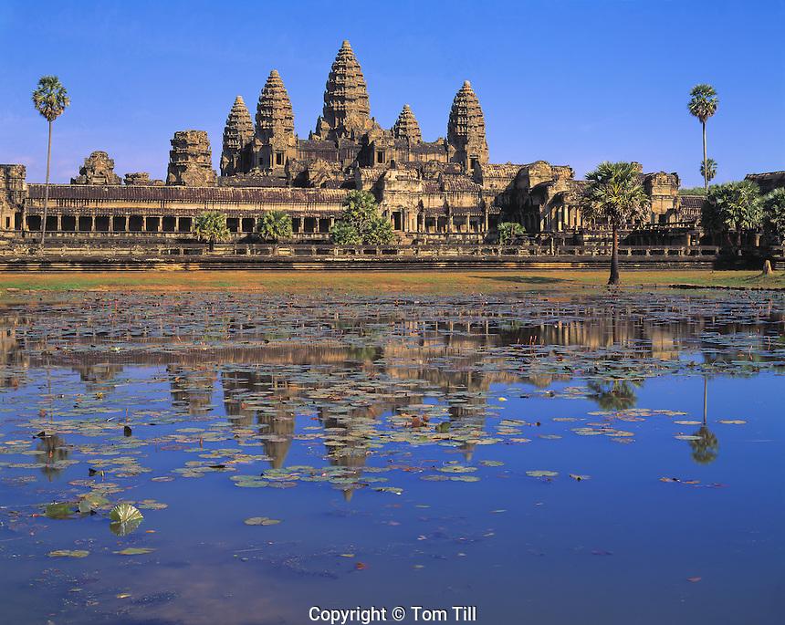 Angkor Watt Towers, Angkor Watt Archeological Park, Cambodia City of Angkor   Ancient city of Angkor   Built 1113-1150 AD Khymer culture ruins in SE Asia jungle   UNESCO World Heritage Site