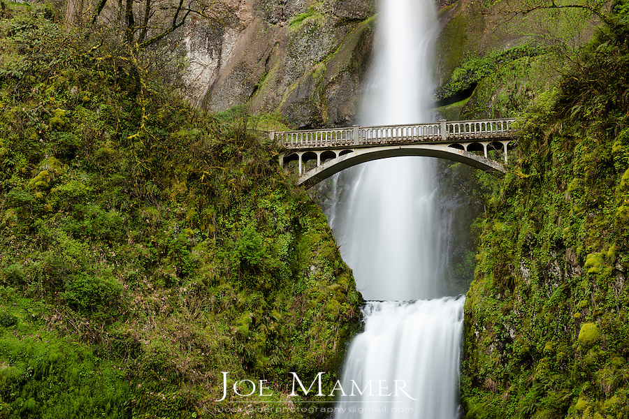 Multnomah Falls and Benson Bridge in the Columbia River Gorge.