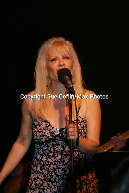 "One Life To Live's Ilene Kristen ""Roxy"" performs her show on her birthday, July 30, 2009 at The Triad, New York City, New York before actors, friends, fans and family. (Photo by Sue Coflin/Max Photos)"