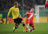 FUSSBALL   DFB POKAL   SAISON 2011/2012  ACHTELFINALE  Fortuna Duesseldorf - Borussia Dortmund              20.12.2011 Florian Kringe (li, Dortmund) gegen Andreas Lambertz (re, Duesseldorf)