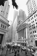 Manhattan, New York City, NY. October 20th 1987. <br /> Exterior of the New York Stock Exchange on Wall Street during Black Monday, when stock markets around the world crashed.