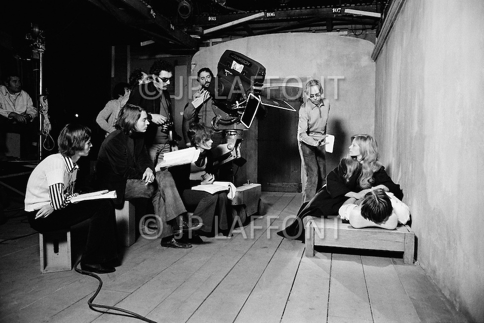 May 1972, France. Greek director Ado Kyrou directing the French actress Nathalie Delon on the set of his film Le Moine (The Monk). Filming took place in the Boulogne Billancourt studios near Paris.   Location: Ile-de-Paris, France. Image by © JP Laffont