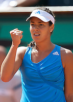 Ana IVANOVIC (8) against Sara ERRANI in the first round of the Ladies SIngles. Ana Ivanovic beat t Sara Errani 7-6 6-3..Tennis - French Open - Day 1 - Sun 24th May 2009 - Roland Garros - Paris - France.Frey Images, Barry House, 20-22 Worple Road, London, SW19 4DH.Tel - +44 20 8947 0100.Cell - +44 7843 383 012