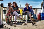 Nederland,Volendam, 05-08-2015  Tourists during the summer holiday in the historical part of Volendam. FOTO: Gerard Til / Hollandse Hoogte.