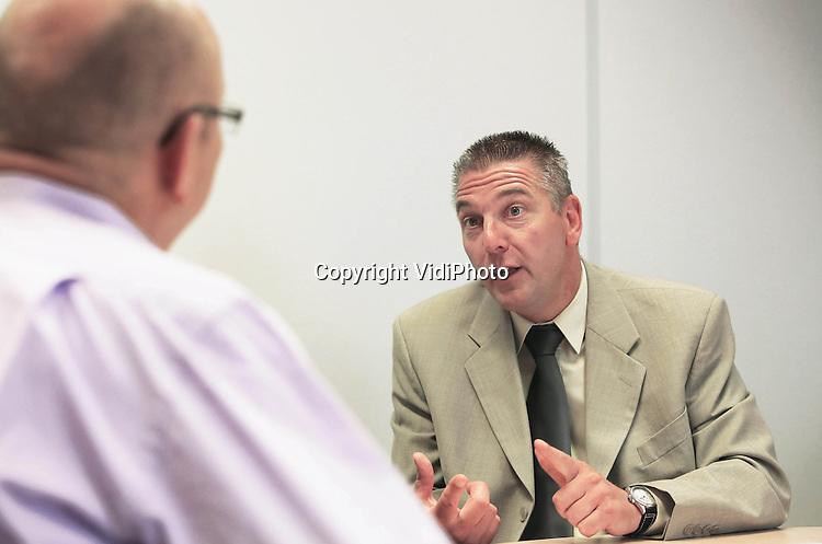 Foto: VidiPhoto<br /> <br /> HOORN - Portret van Rob van der Weele, Productgroep Manager bij Deen Supermarkten BV.