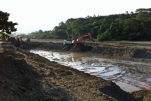 Extracción de agregados en el Camú genera polémica en torno a canalización de ríos